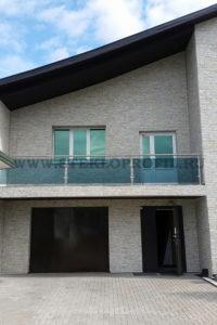 Ограждение балкона в загородном доме