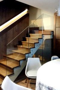 Ограждение лестницы в загородном доме г.Сочи